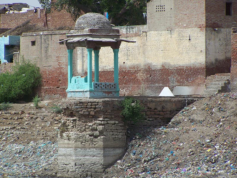 Ghats of Ratnakar Sagar before restoration