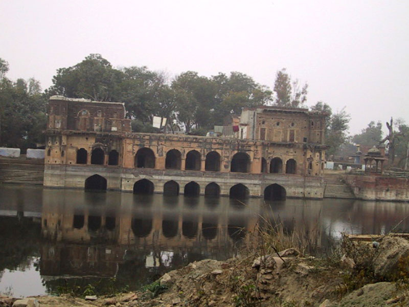 Jal Mahal before restoration