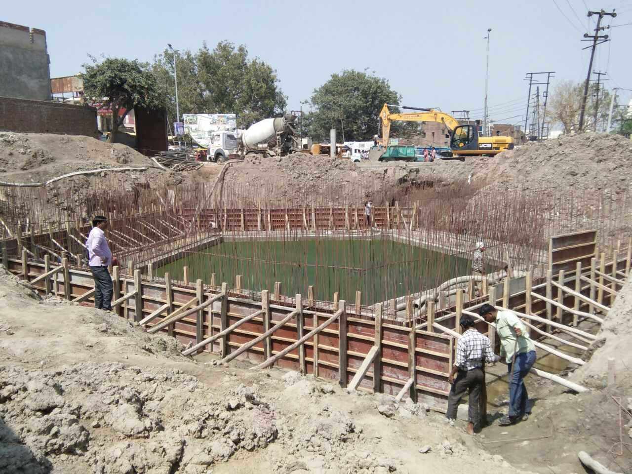 Toe wall of Rinmochan Kund taking shape
