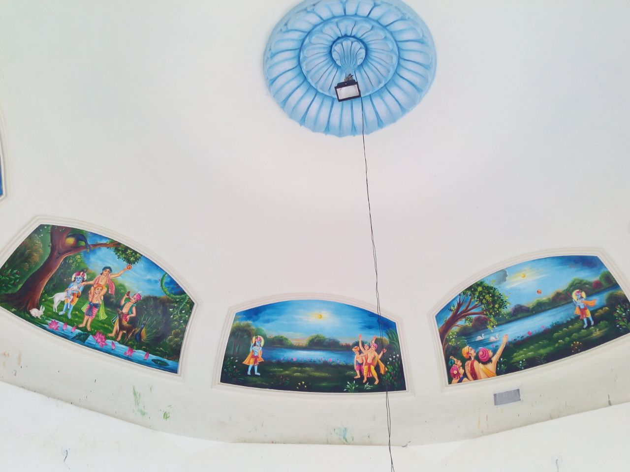 Paintings on the ceiling depicting the leela