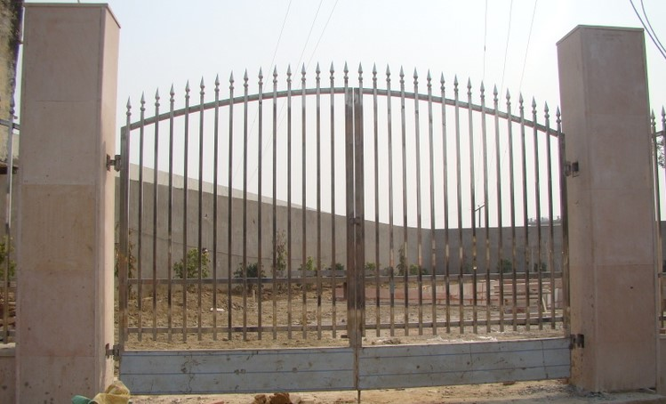 Entry gate of Rinmochan Kund